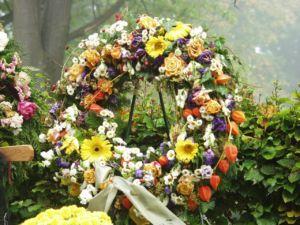 wiązanka, wieniec pogrzebowy